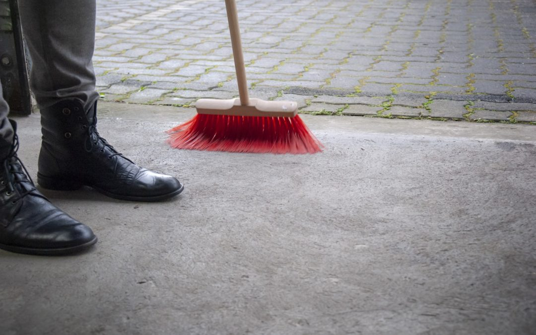 How to Clean a Dirty Garage Floor: 5 Tips